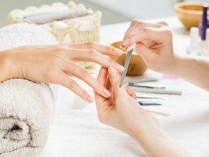 massaggio mani | manicure | sun lovers group
